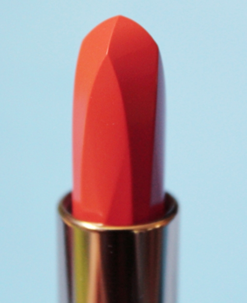 The width and length of the lipstick cap are not equal, so you may have to rotate the cap once to lock it in place correctly. This is great as it also protects the lipstick from accidentally being tampered with. You don't need to worry about smashing your lipstick into the top of your cap (unless you cap it like that).