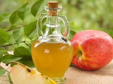 7-skinny-foods-you-should-be-eating-03-apple-cider-vinegar-sl